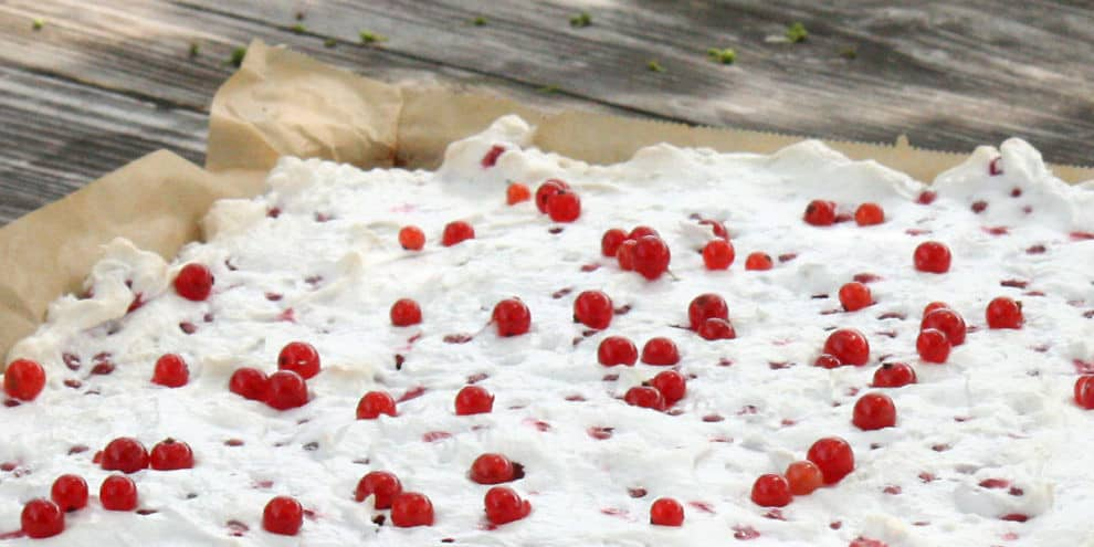Crostata meringata ai ribes rossi