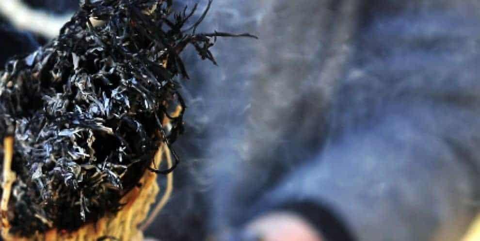 LA FUMIGAZIONE PER PURIFICARE E RAFFORZARE LO SPIRITO
