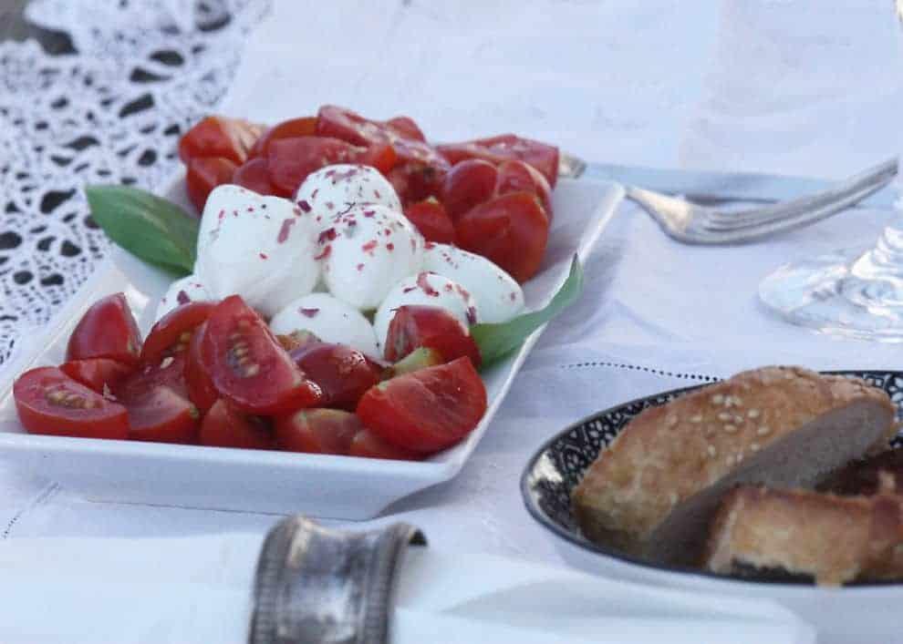 Rosensalz: Duftende Würze für Fisch und Fleisch