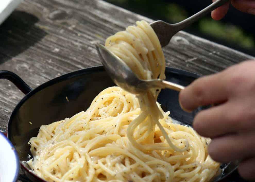 Spaghetti Cacio e Pepe: il modo per stare in insieme
