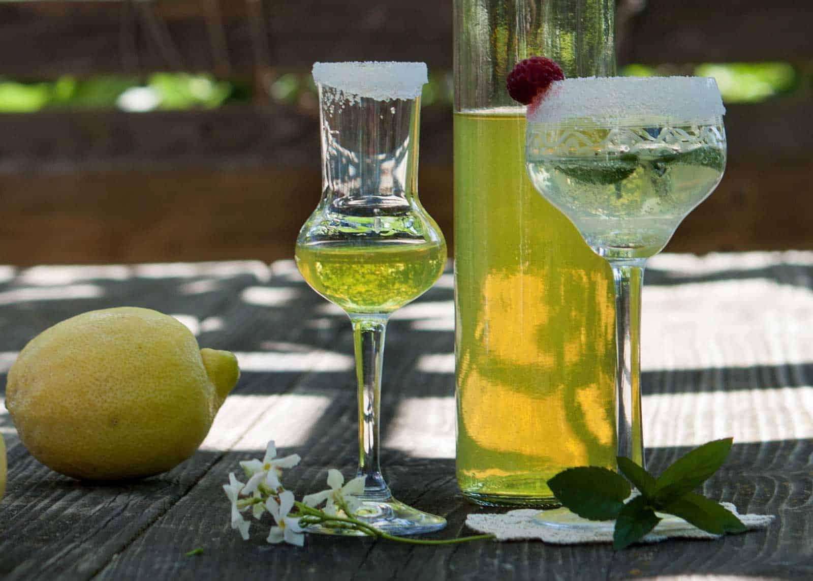 lemon liqueur limoncello
