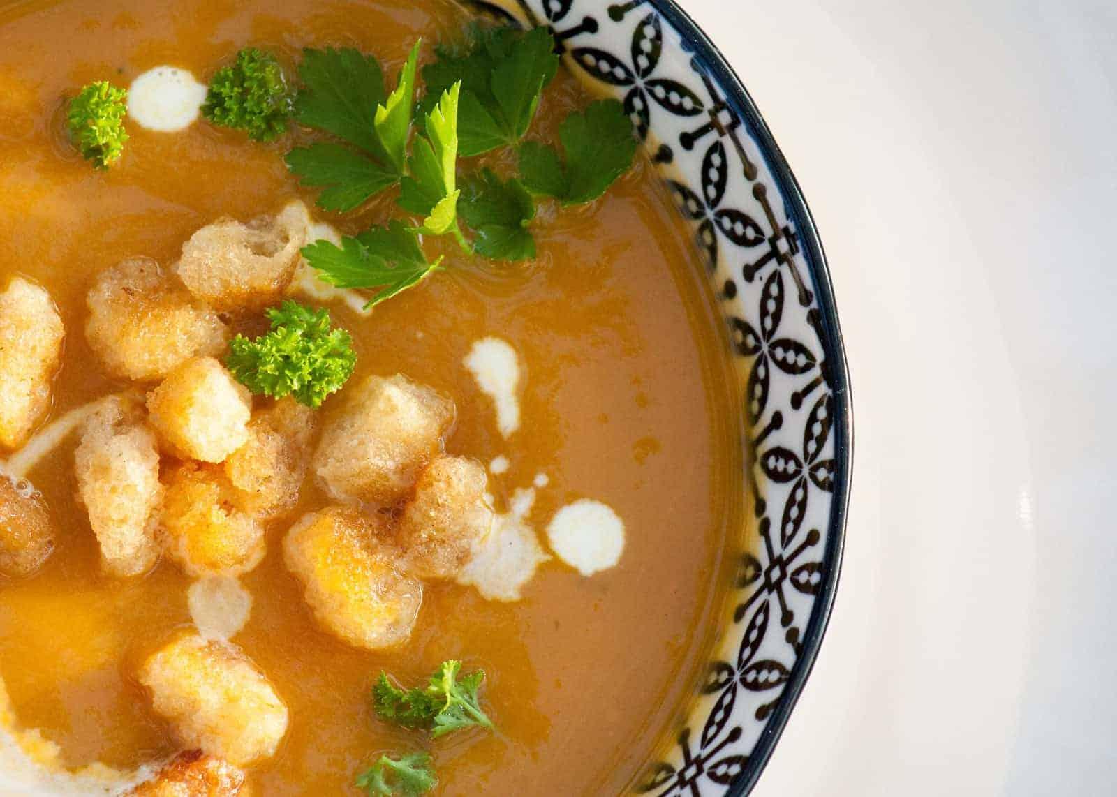 Pikante Suppe Mit Maroni Und Kürbis
