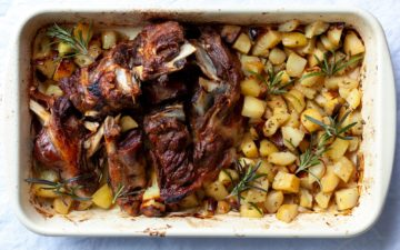 Roast lamb with baked potatoes