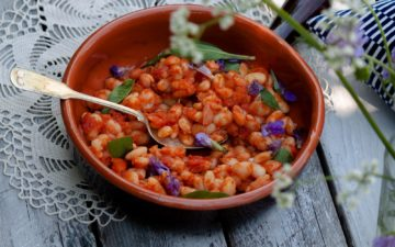 Tuscan-style bean stew - Fagioli all'uccelletto - recipe