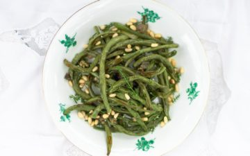 green beans with wild fennel, capers and pine nuts
