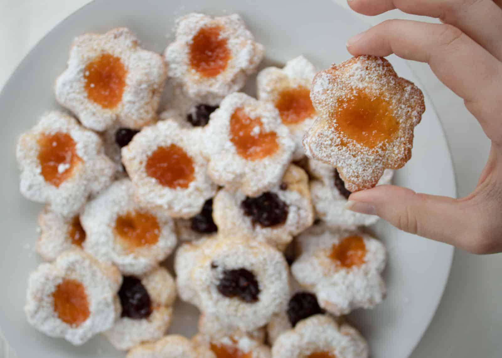 Weiche Butterplätzchen mit Herz - Weihnachtesbäckerei